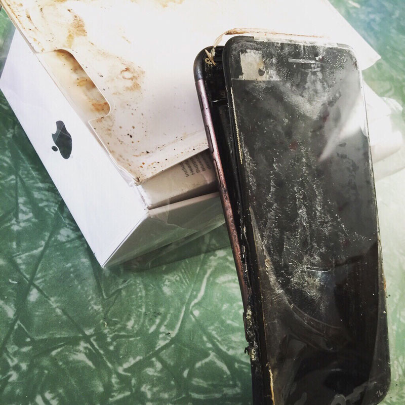 iphone-7-blows-1