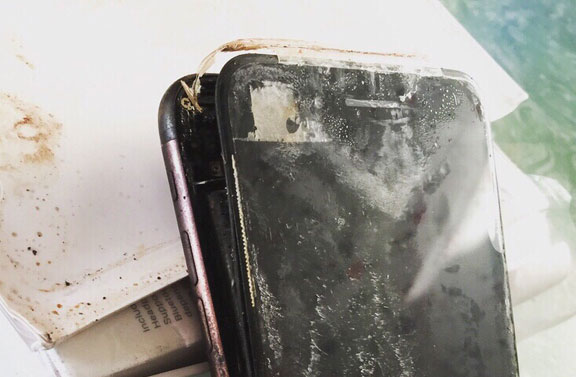 iphone-7-blows-2